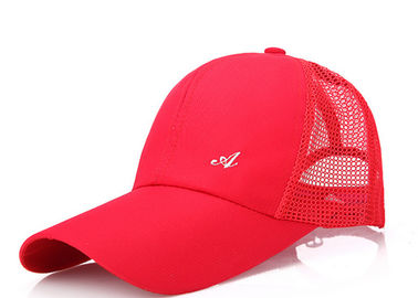 China Soft Female Red Mesh Baseball Caps 6 Panel Good Air Permeability Absorb Sweat distributor